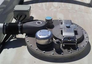 Установка дыхательных клапанов на цистерну (клапан дыхательный)