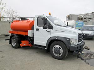 Поливомоечная машина со щеточным оборудованием на базе ГАЗон Next